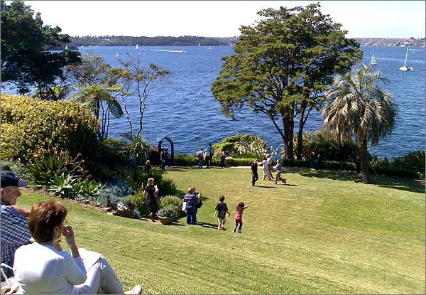 Photograph of the view of Sydney Harbour from Kirribilli House