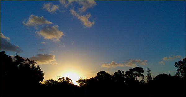 Photograph of sunset over Enmore, 31 December 2007
