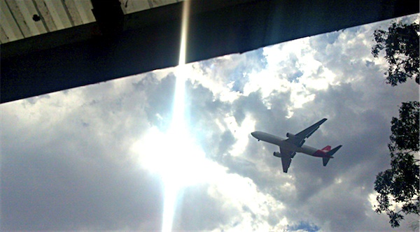 Photograph of jet aircraft approaching Sydney Airport