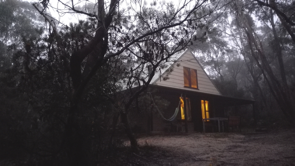 Waratah Cottage: click to embiggen