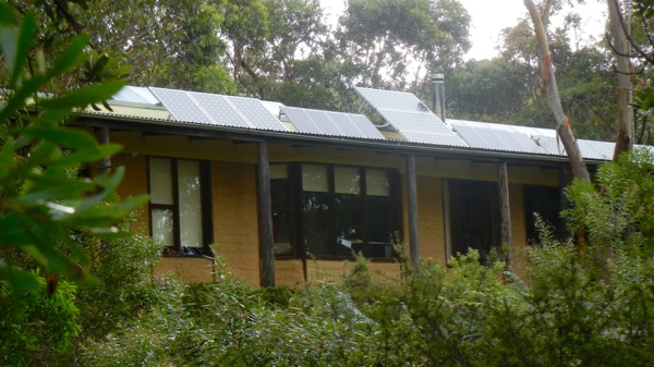 Rosella Cottage and its solar panels: click to embiggen